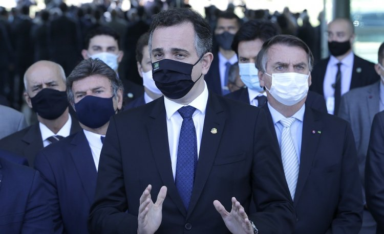 Pacheco deve se reunir com governadores para discutir crise institucional
