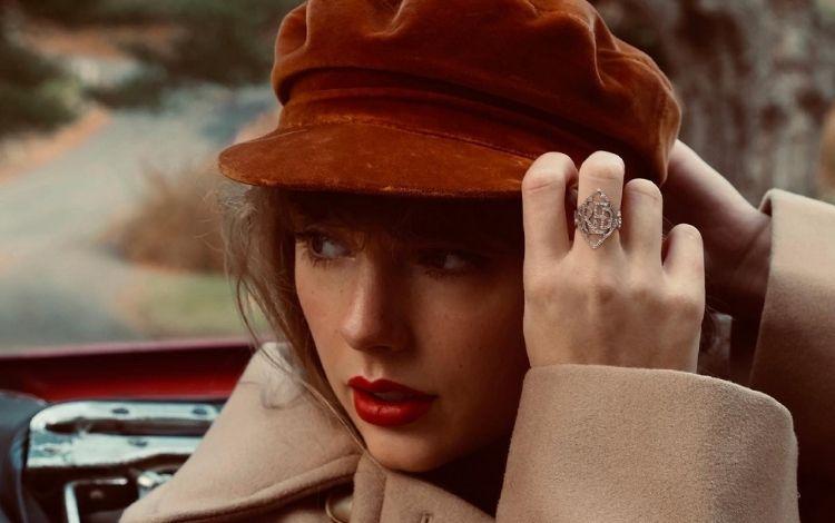 Taylor Swift solta enigma e fãs desconfiam que Phoebe Bridgers fará participação em 'Red'