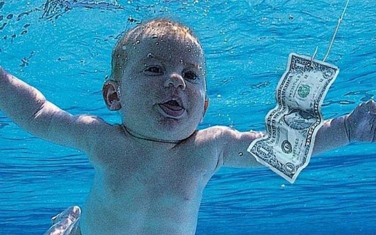 Bebê do álbum 'Nevermind' processa Nirvana por exploração sexual infantil