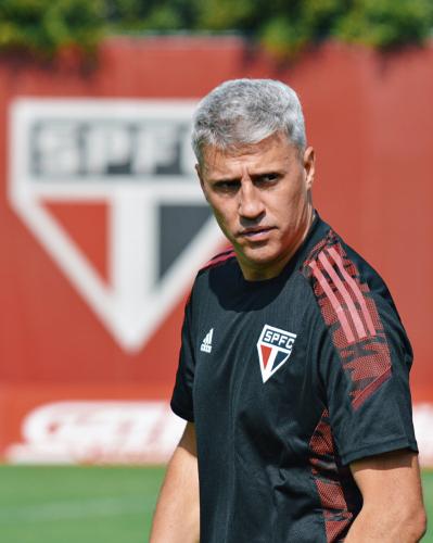 Crespo tem desfalque de peso para jogo entre São Paulo e Fortaleza pela Copa do Brasil